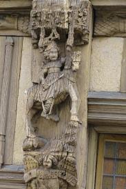 Der Heilige Theobaldus - am Fachwerkhaus...